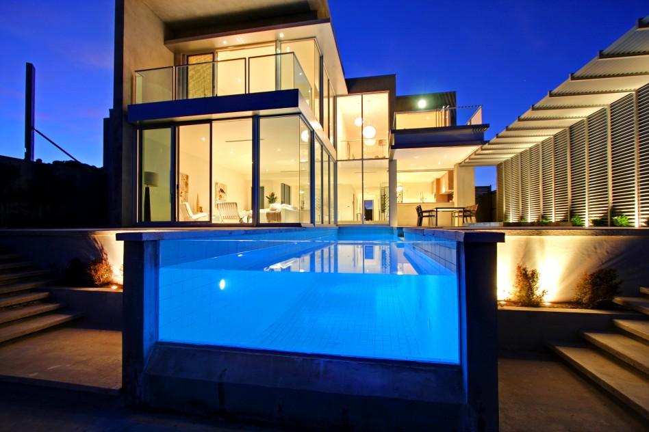 maison-piscine-verre