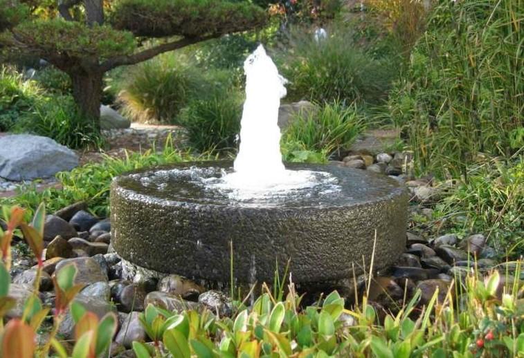 fontaine-pompe-jardin