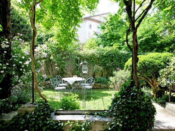 jardin-maison-vert
