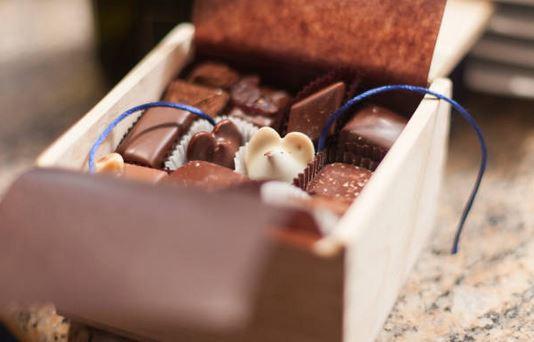 boite-chocolat-cadeau-faire-plaisir
