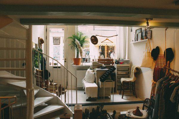 Un studio avec mezzanine